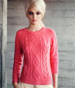 Коралловый свитер